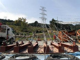 延線工事用の電線引き留めアンカー